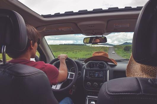 Ridepooling, Menschen im Auto