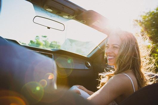 Ridepooling, Frau im Auto